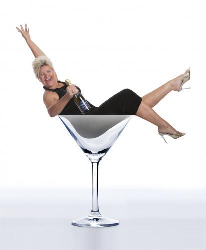 Lena i Champagneglass web uten tekst